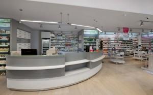 Φαρμακείο Παπαδοπούλου σχεδιασμός-εξοπλισμός-έπιπλα-ράφια-συρταριέρες φαρμακείου