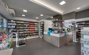 Φαρμακείο Γκαραγκάνης σχεδιασμός-εσωτερικό φαρμακείου