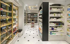Φαρμακείο Μαραγκός-Στοά Νικολούδη εργονομία-σχεδιασμός φαρμακείου